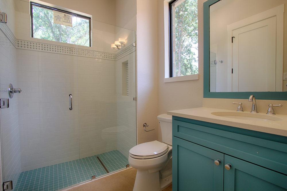17 Bath 2.jpg
