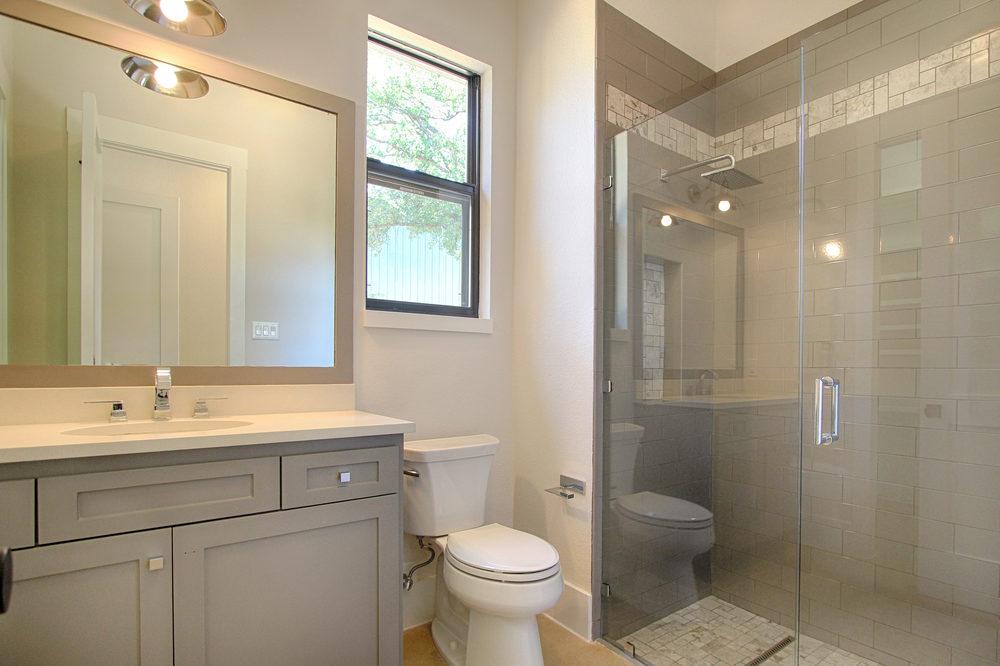 21 Bath 4.jpg