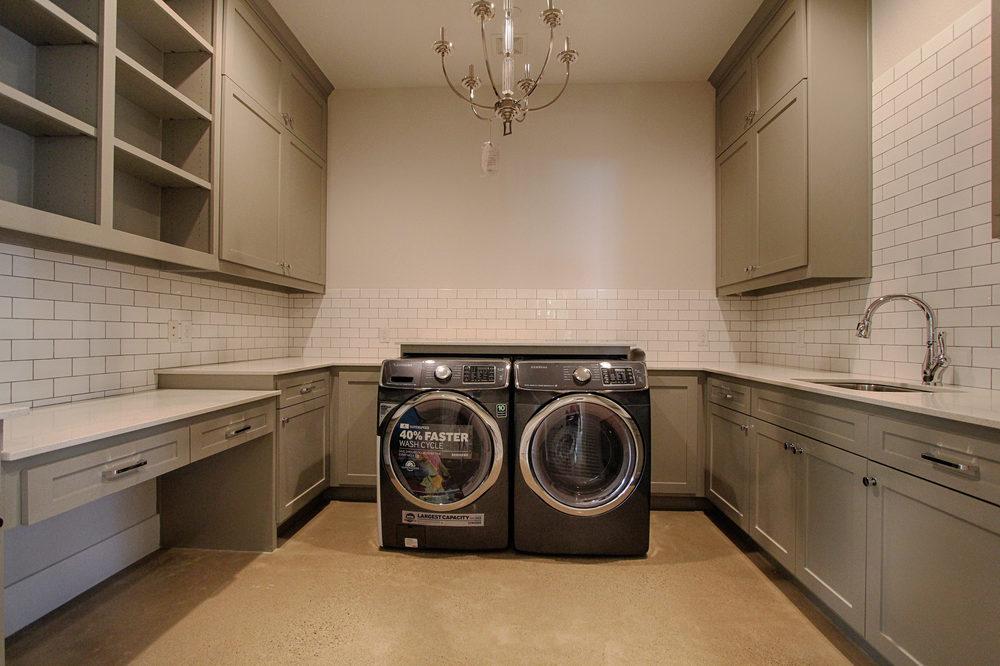 33 Laundry.jpg