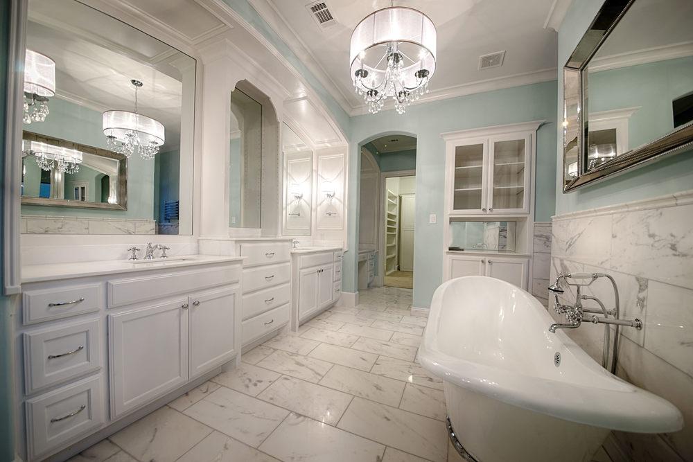 15 Master Bath 1.jpg