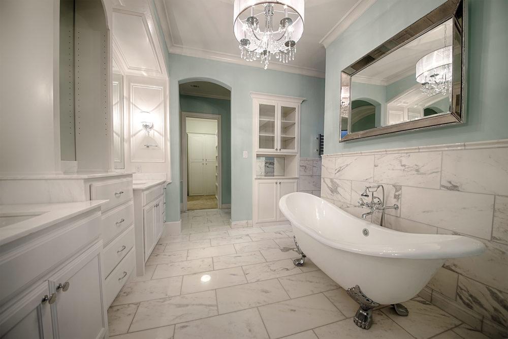 16 Master Bath 2.jpg