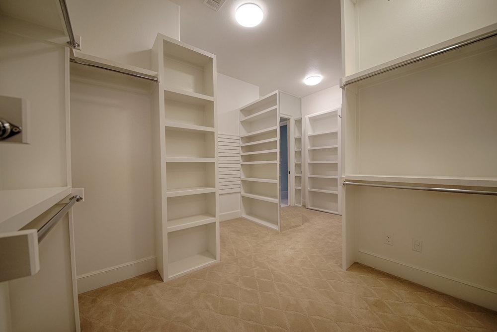 20 Closet 2.jpg
