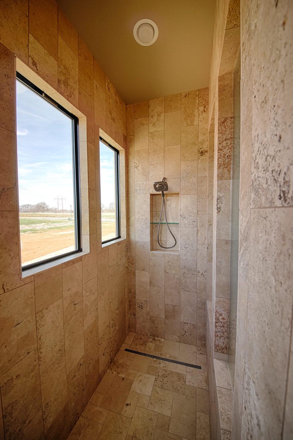 32 Master Shower.jpg