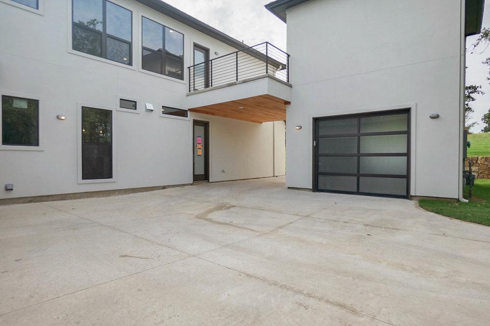39 Garage 2.jpg