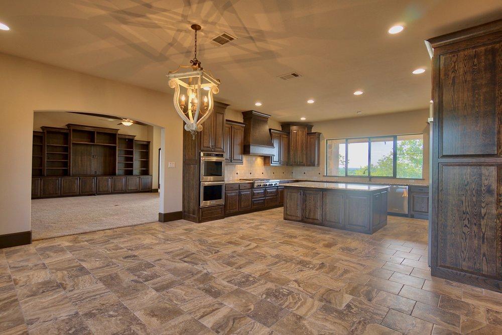16 kitchen 5.jpg