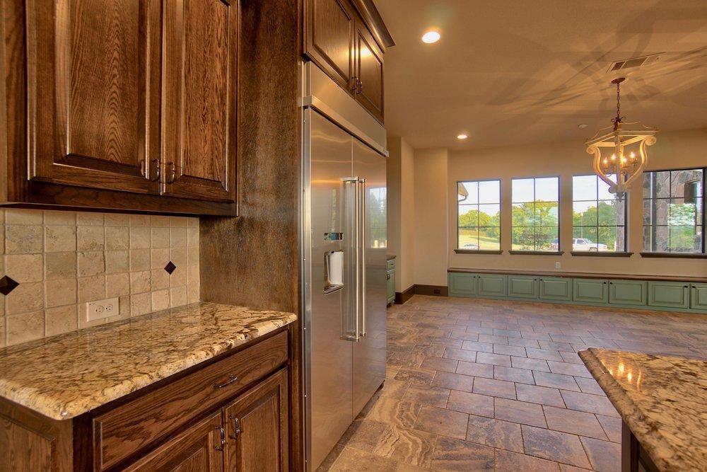 24 kitchen 13.jpg