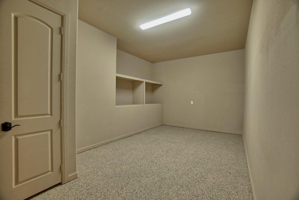 68 garage 2.jpg