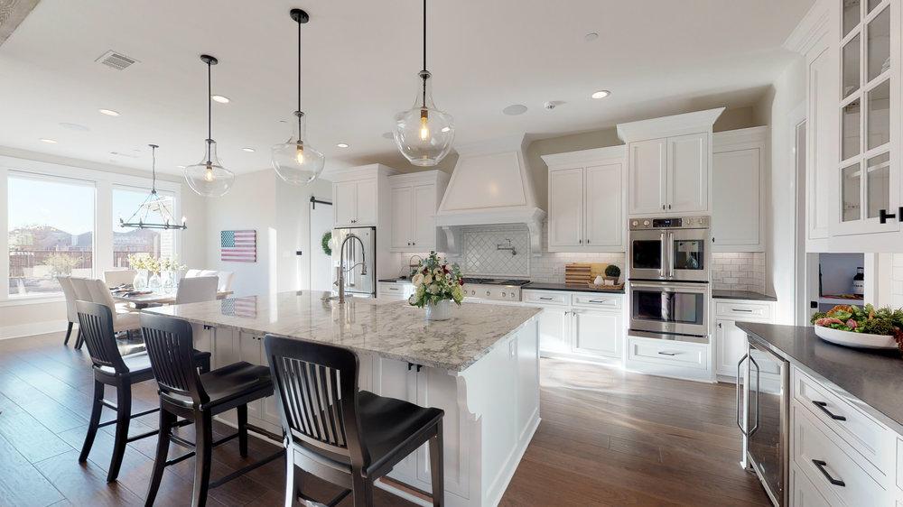 14 kitchen 1.jpg