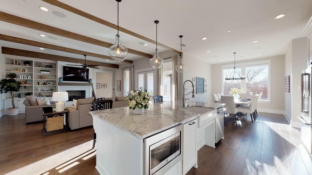 15 kitchen 2.jpg