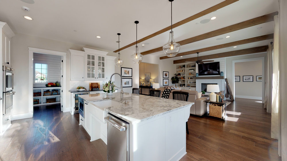 16 kitchen 3.jpg