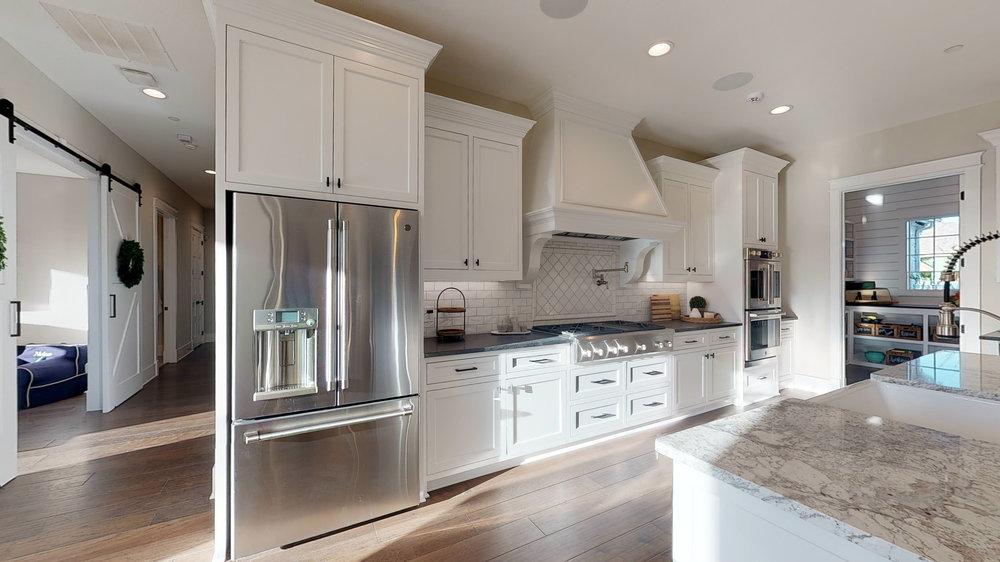 17 kitchen 4.jpg