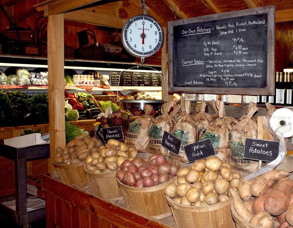 The Carrot Barn identifies all the produce grown by them. Look at those potatoes!