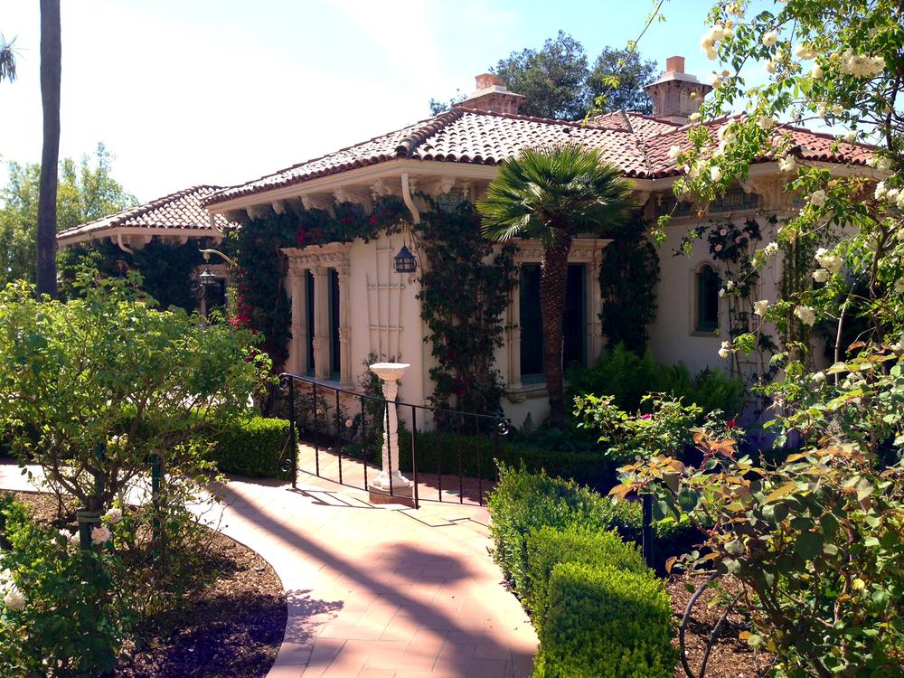 Siamo La Luce Romantic Classic homes 3.jpg