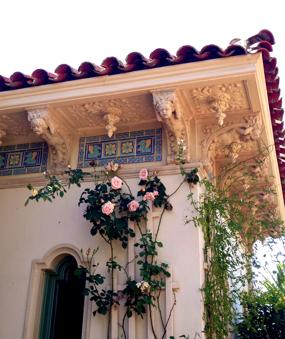 Siamo La Luce Romantic Classic homes detail.jpg