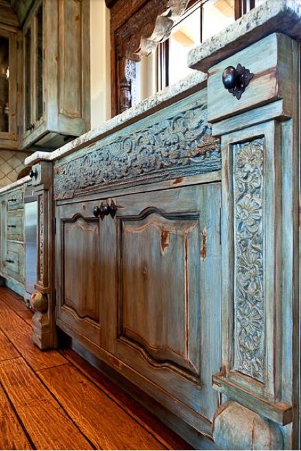Siamo La Luce Cabinet Provence Country.jpg