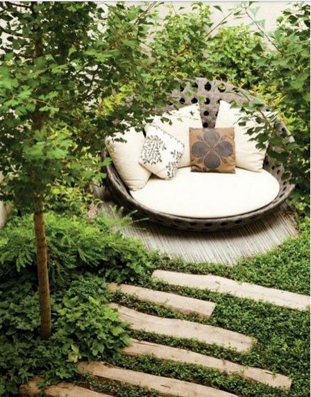 Siamo La Luce private garden.jpg
