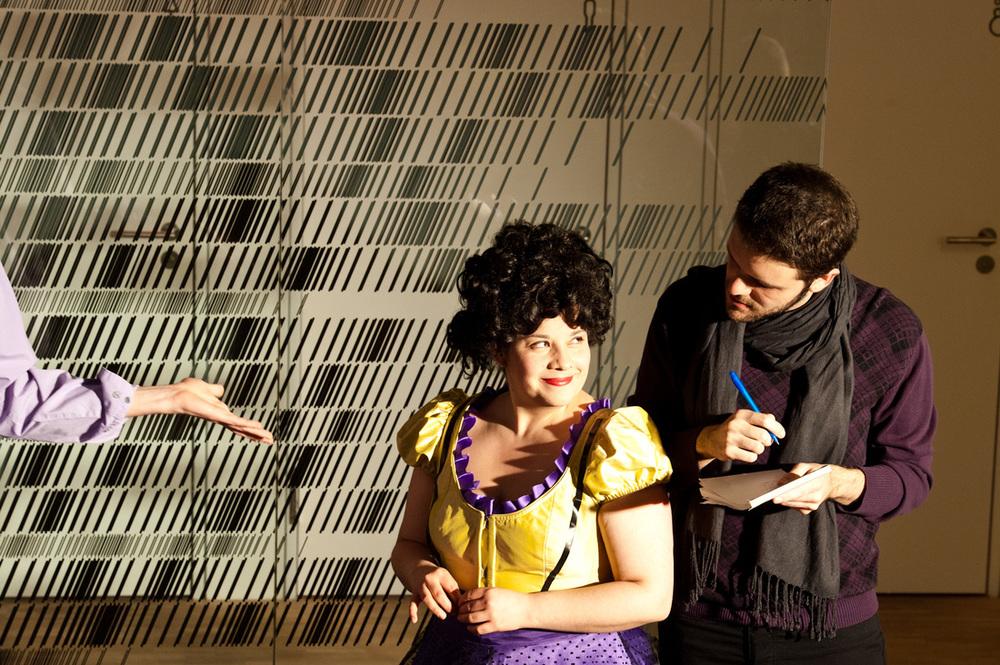 "Opera Project ""Klangwandeln"" - As Poeta, scene from Prima la musica poi le parole by A.Salieri (with Claudia Ávila) - Regie: Manfred Weiss - Schola Cantorum Basiliensis 2011 - Foto by: Susanna Drescher"