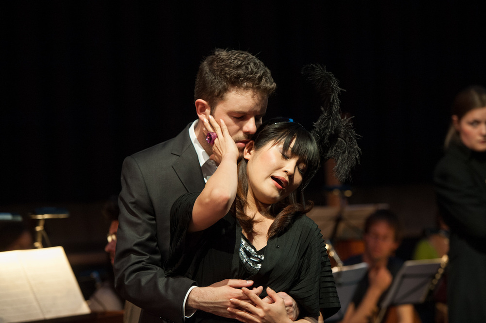 """La liberazione di Ruggiero"" by Francesca Caccini - As Ruggiero with Yukie Sato (Alcina) - Regie: Manfred Weiss - Musical conductor: Giorgio Paronuzzi - Blinde Kuh, Basel, May 2012. Foto by Susanna Drescher"