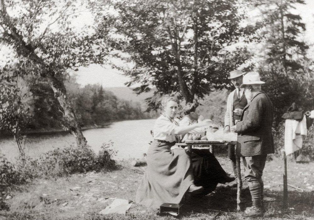 a-new-pastoral-Vermont-picnic-1909