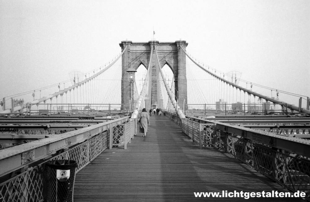 New_York_Brooklyn_Bridge_Vintage.jpg