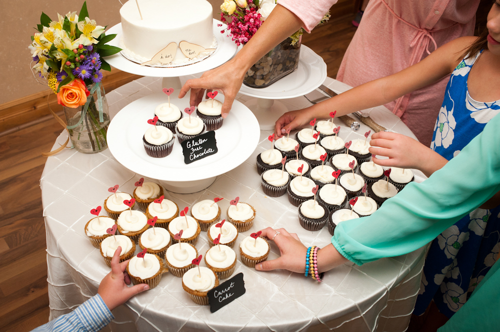 Everyone wanted one of these adorable sweet treats atTracy and Jake's wedding.