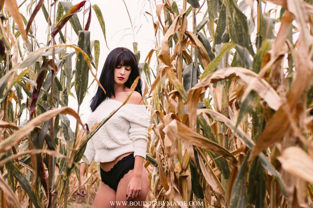 BoudoirbyMarie-AutumnBoudoir-1.jpg