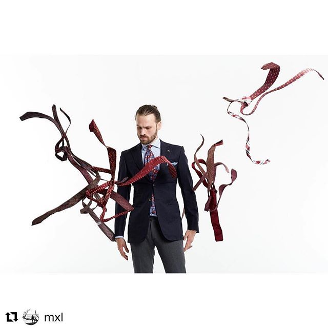 #Repost @mxl with @repostapp ・・・ Candid shot of @badwearsgood choosing tie for his next look #maxlemesh #mensfashion #malemodel #smithstudiosnz
