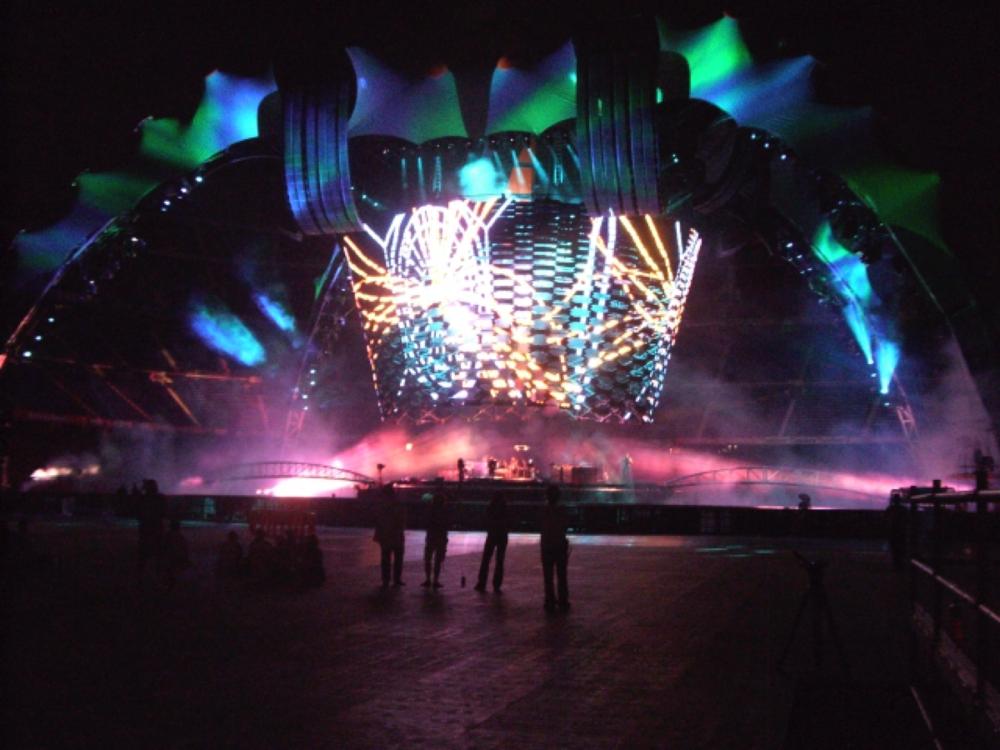 Sound check on the U2 360 tour