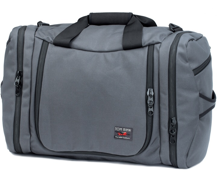 Tom Bihn's Aeronaut 45 - maximimum legal carry on size, good looks, durable contstruction