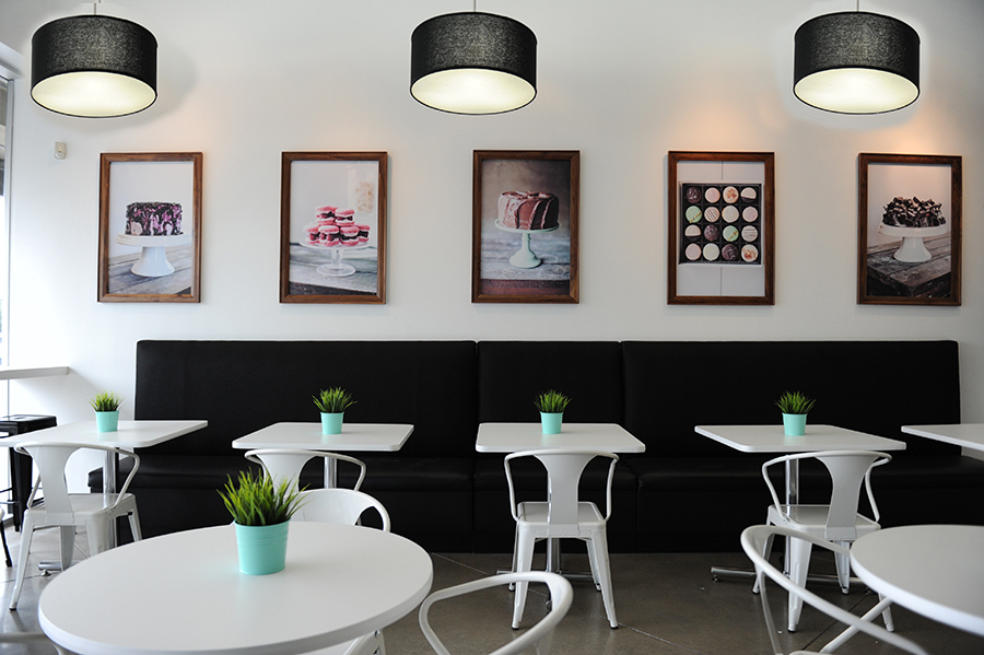 KTOM_Bakery_GraphicDesign_Interior_KellyThompson_DessertGallery.jpg