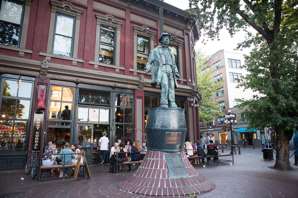 "The statue of ""Gassy"" Jack Deighton situated at the center of Vancouver's Gastown District."