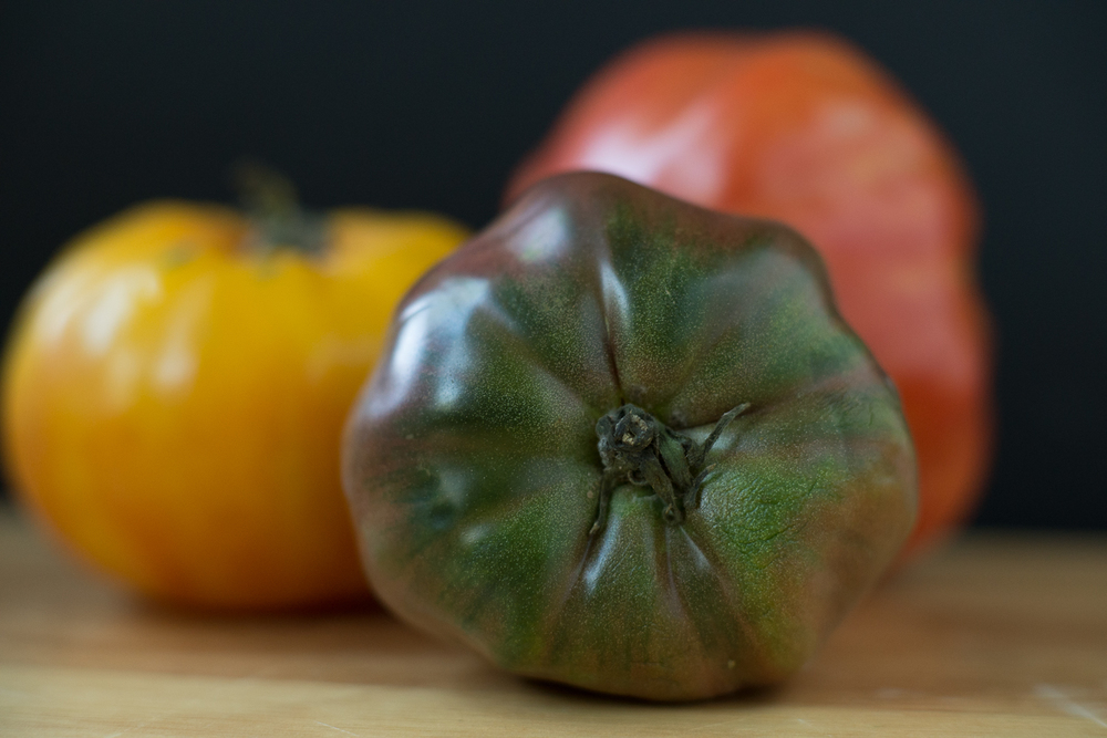 I like to use a variety of difference colored tomatoes for visual interest, but a single color is equally delicious.