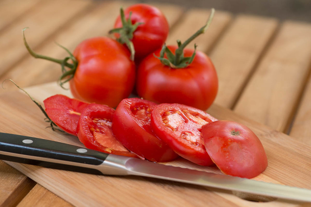 fresh-sliced-tomatoes.jpg