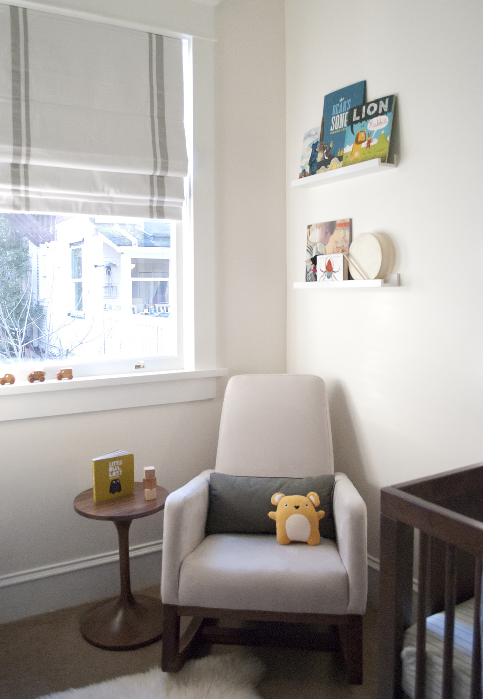 jasper-nursery-chair-corner