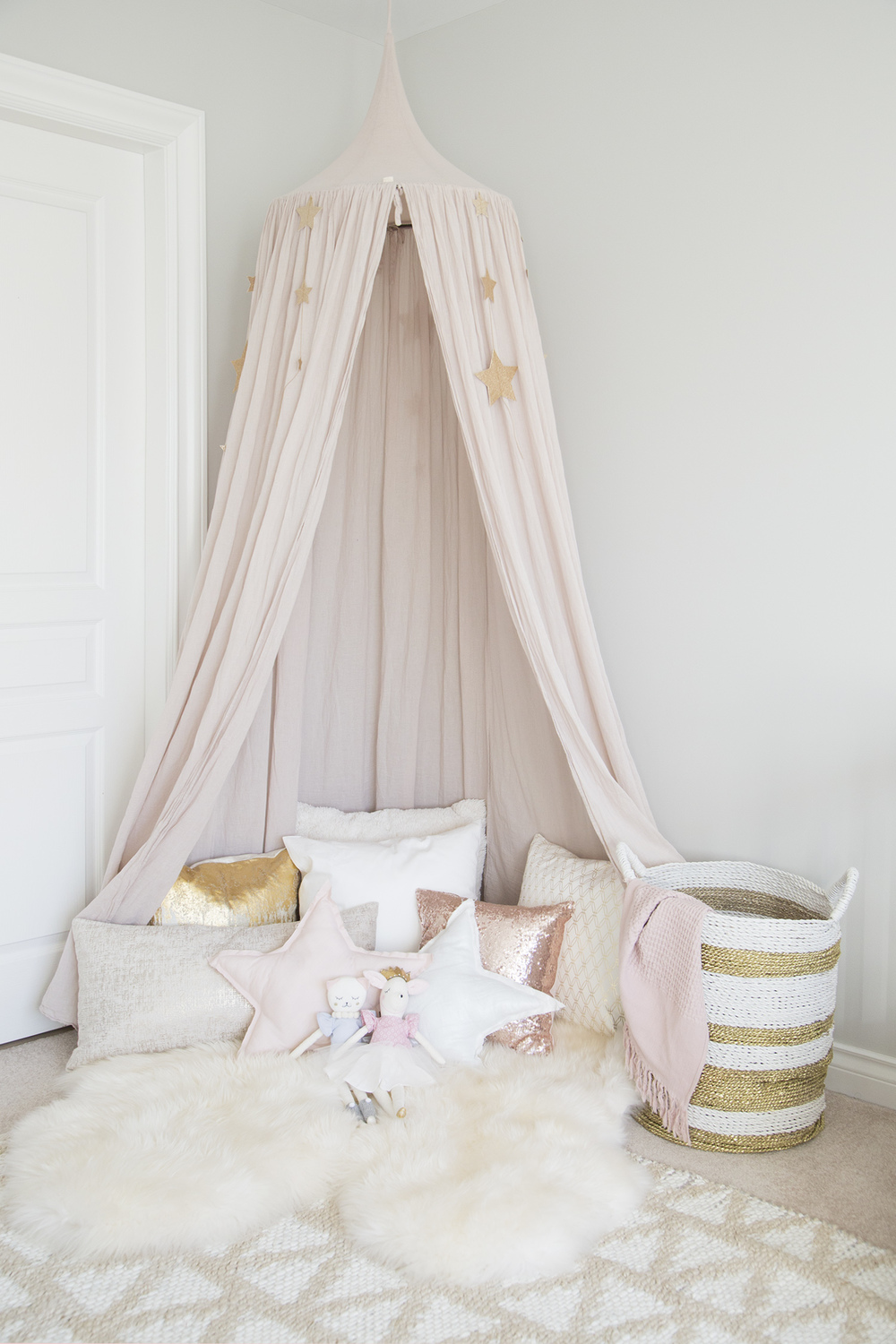 pink canopy in girl room