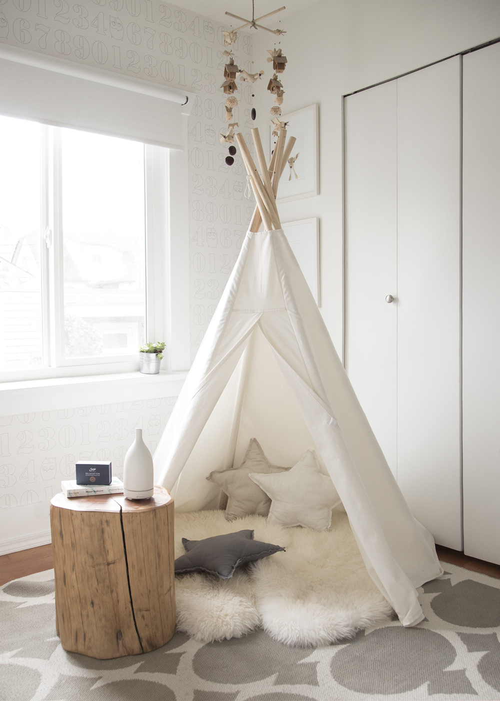 a teepee in playroom with sajewellness nebulizer