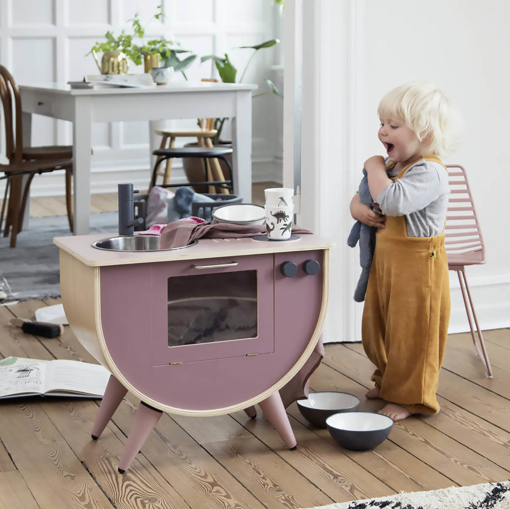 Scandiborn kids play kitchen in rose