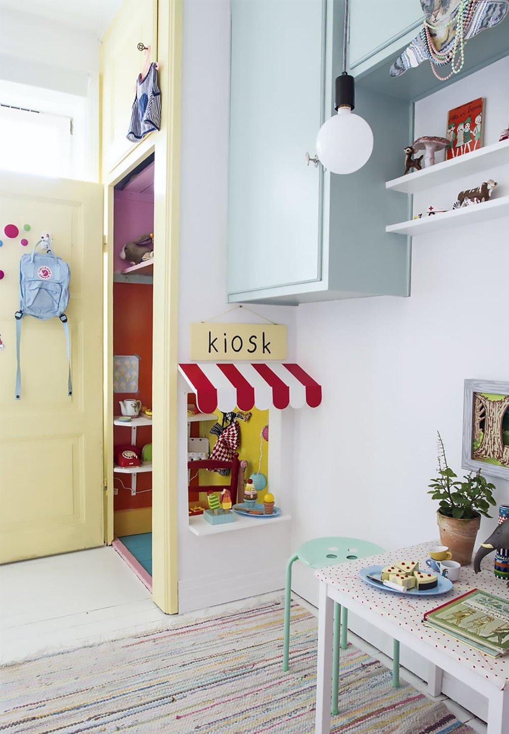 playroom kiosk