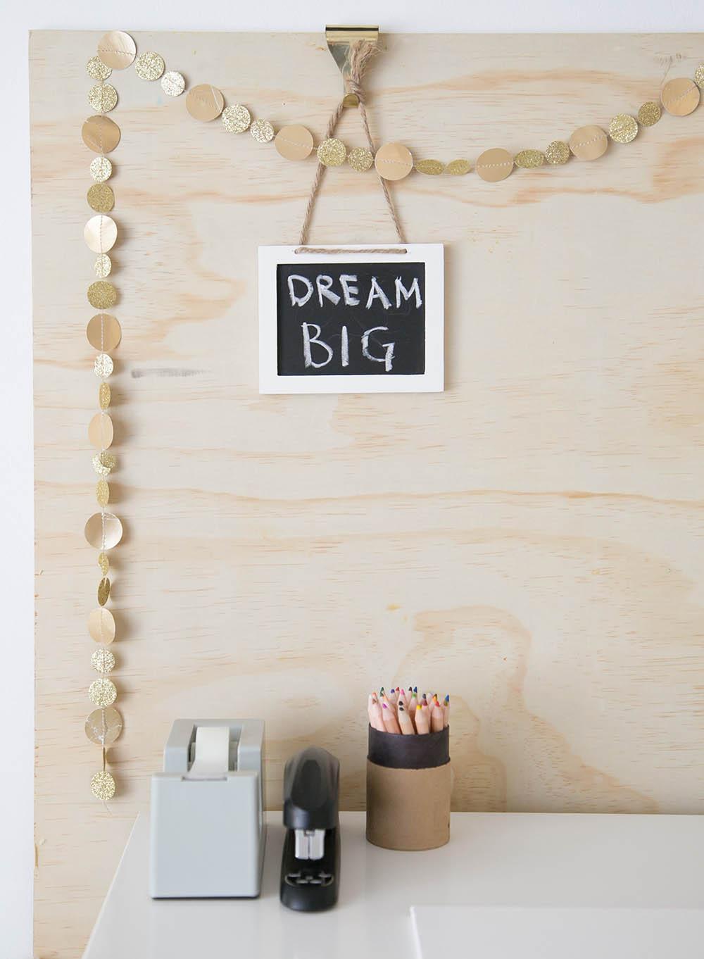 dream big sign on kids homework desk