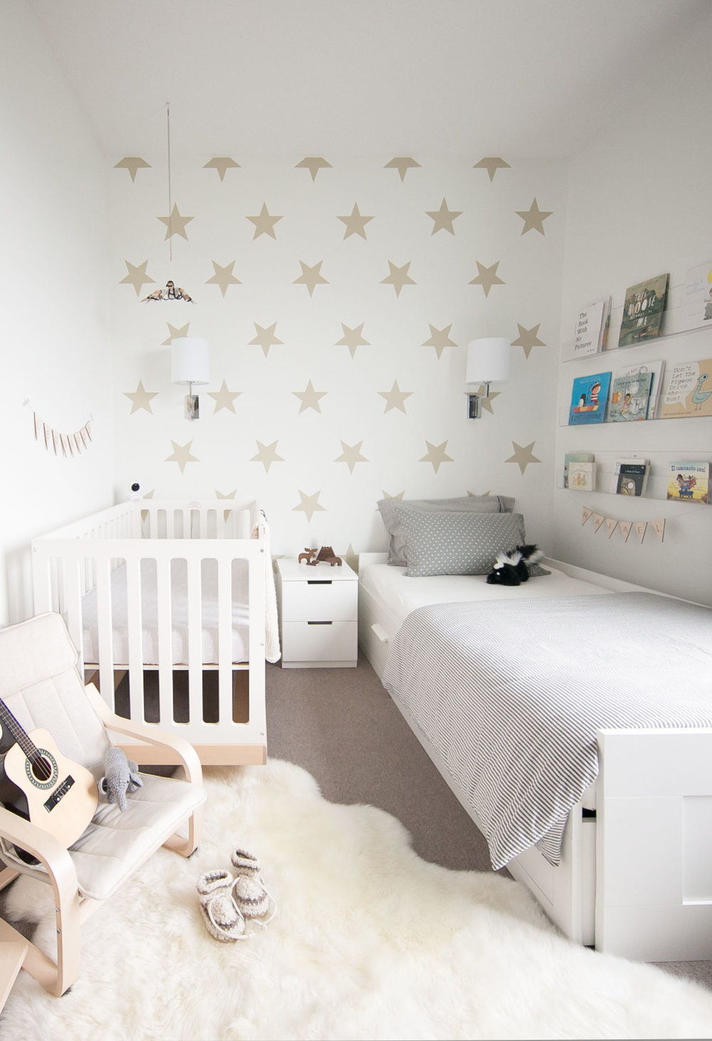 shared neutral baby and toddler room