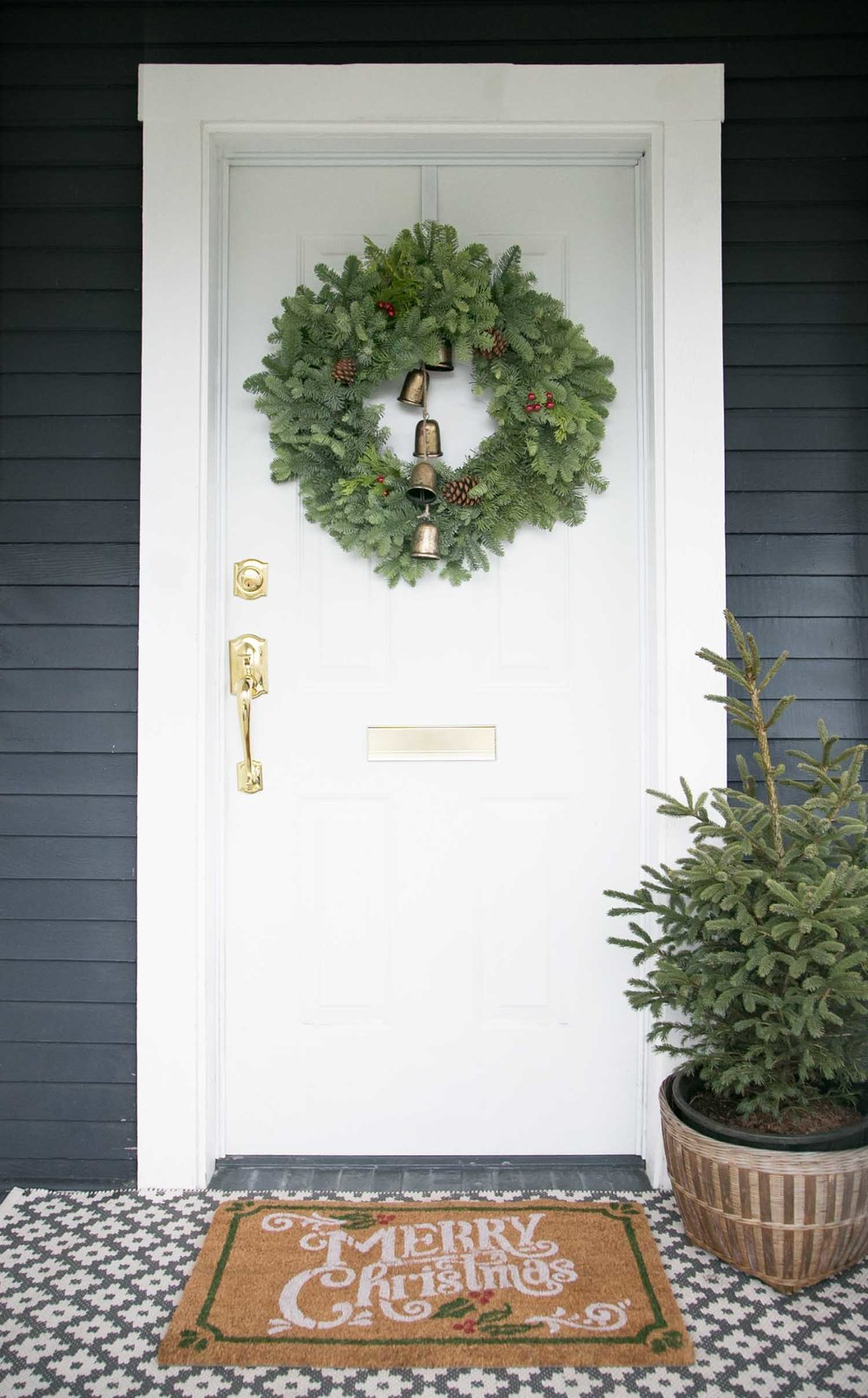 Outdoor front door christmas entry