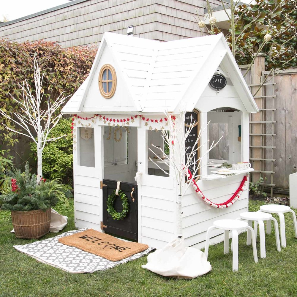 kids holiday playhouse