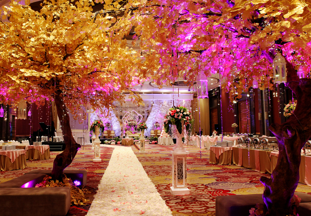 Glamour modern wedding decoration The Ballroom Emporium Jakarta by Azalia Decoration