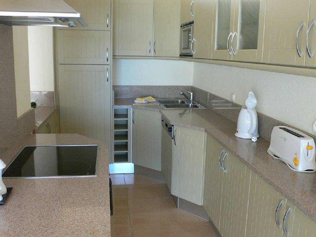 VC14 kitchen.JPG