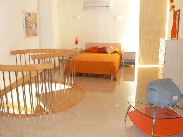 VC14 Top Bedroom.JPG