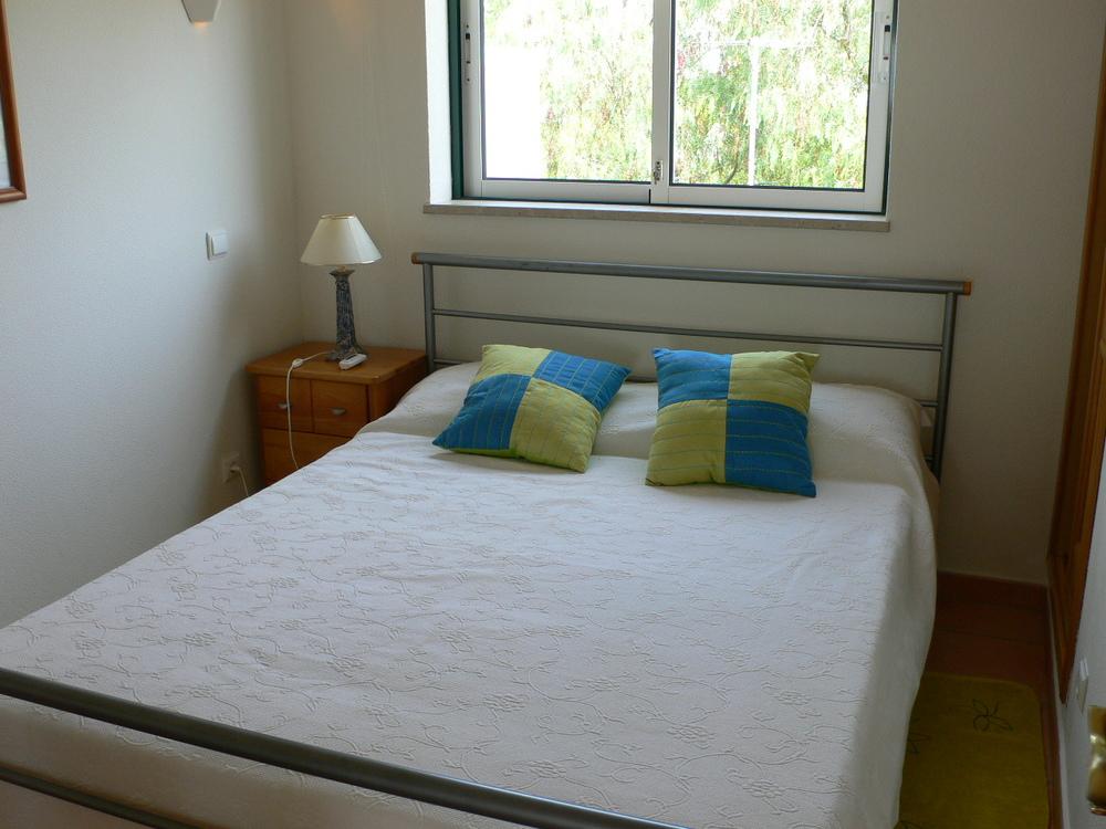 VC48B Bed.jpg