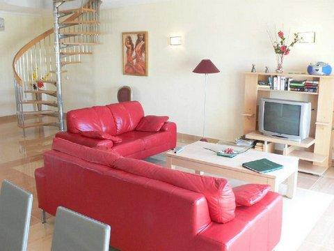 VC16 lounge 2.JPG