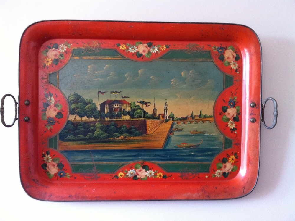 Beautiful hand-painted tray hung on the wall, Monopatia Resort