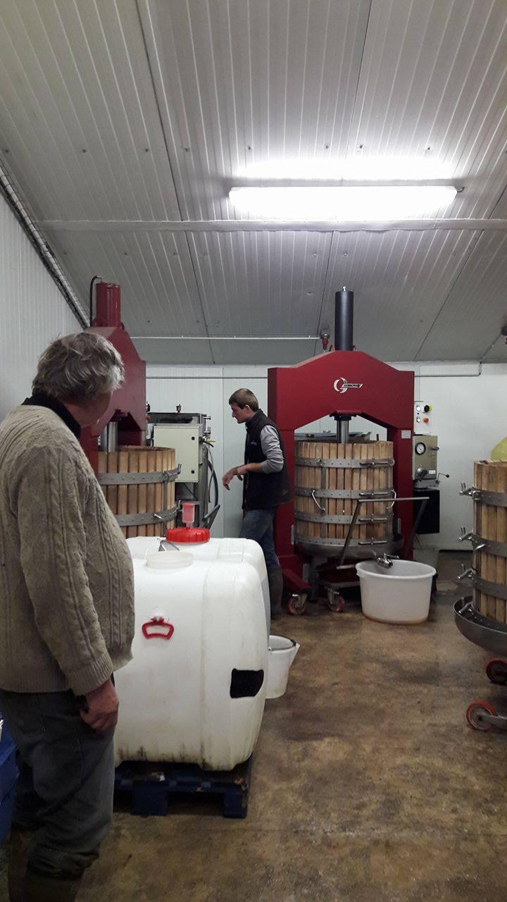 Un mois plus tard une visite d'une cidrerie en Picardie pour prendre du jus de pomme fraichement pressé