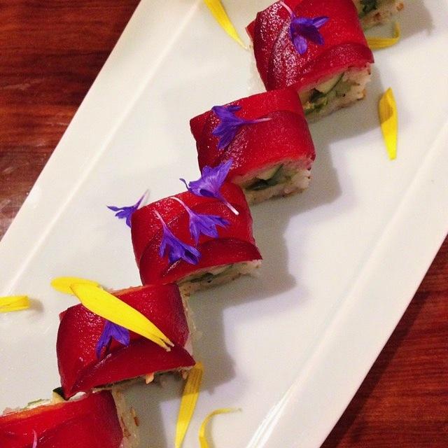 vanessamariecan't BEET this veg sushi